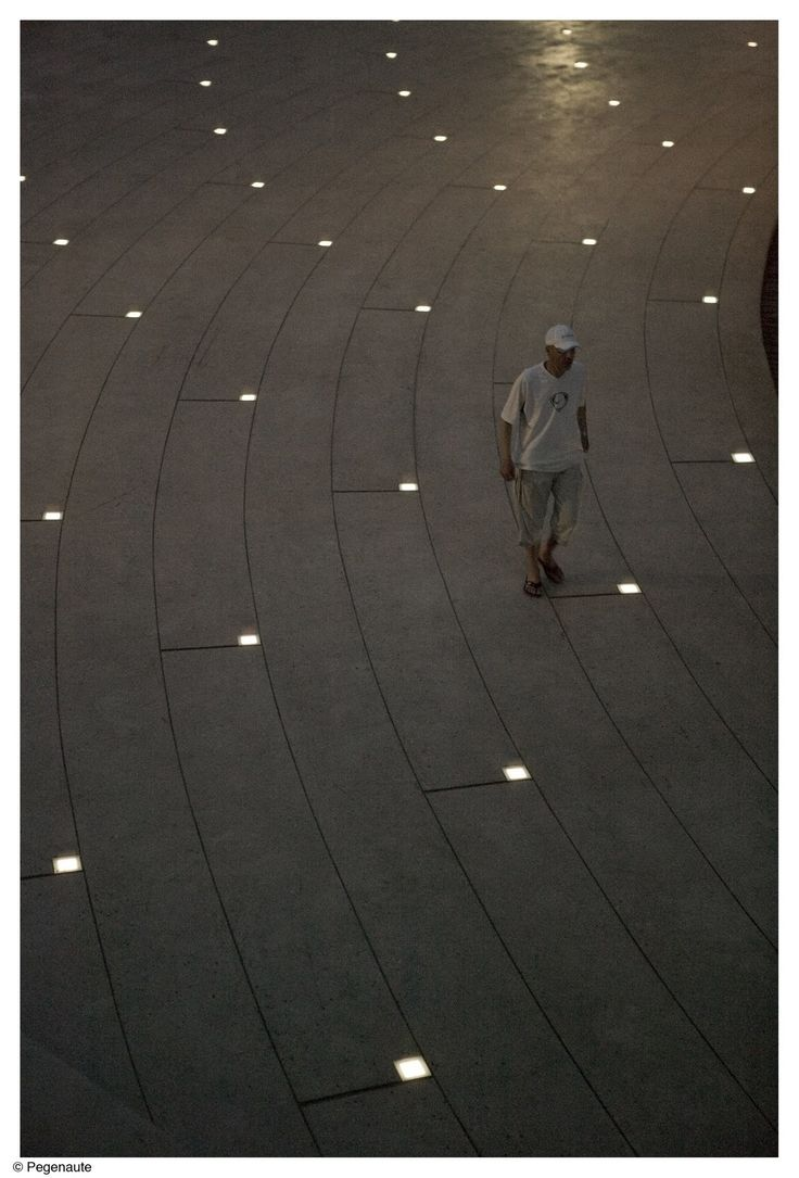 Sobre la plaza del ábside de la Catedral de Tortosa. Un proyecto de Arquitecturia, Josep Camps i Olga Felip