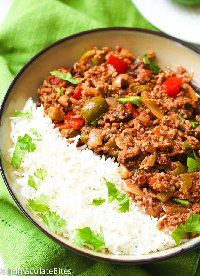 Puerto Rican Picadillo Recipe -- fragrant, flavorful ground beef stew with potatoes, tomatoes, olives and raisins. Easy and no fuss cooking.