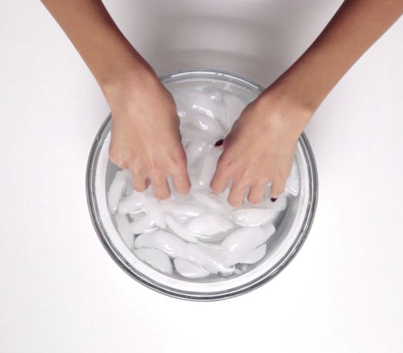 How to Dry Your Nails Quickly
