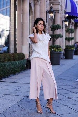ピンクのワイドなガウチョパンツ着こなしコーデ