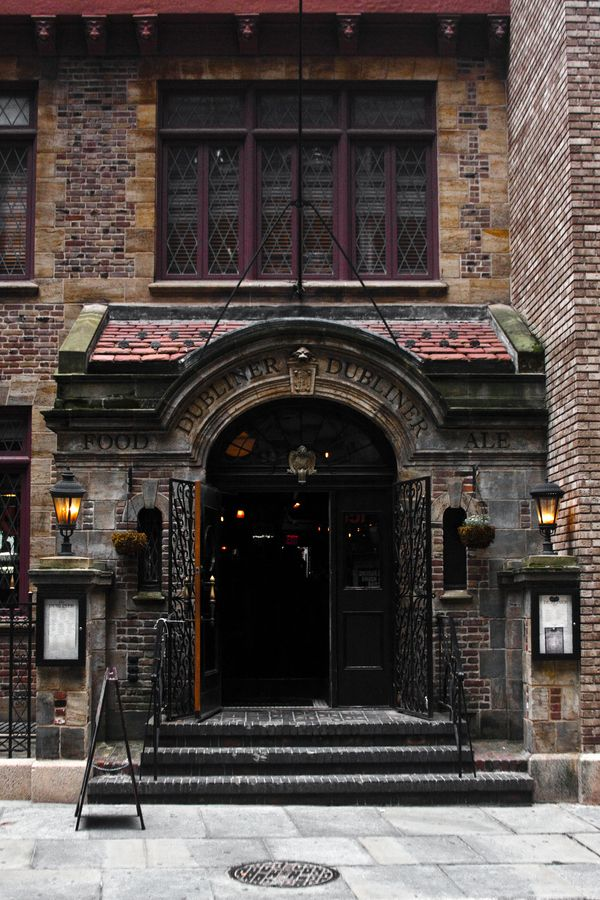 The Dubliner Bar, Lower Manhattan, New York City.  Rent-Direct.com - No Fee Rental Apartments in NY.