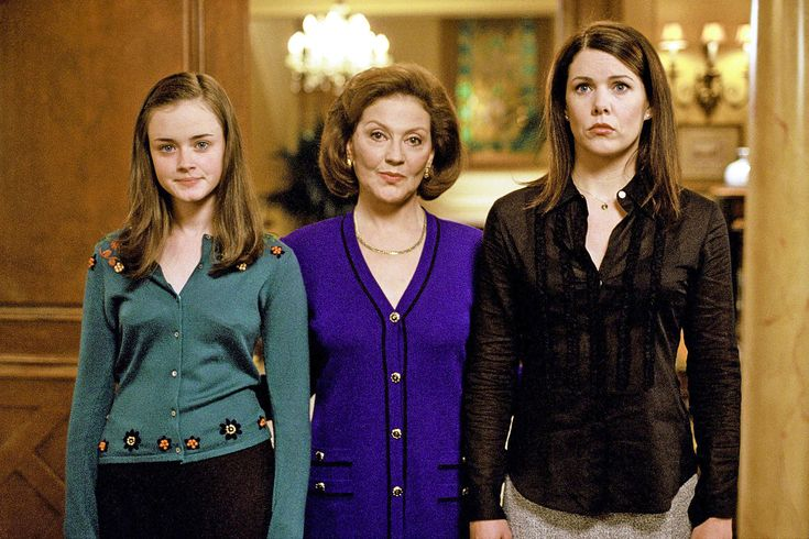 TheGilmore Girlscast is reuniting, and EW will be there to celebrate the return of Stars Hollow's finest.  EW and the ATX Television Festival are partnering for this year's festto present theGilmore Girlsreunion as the ATX Closing Night panel. This year's ATX festival runs from June 4-7 in Austin, Texas, and offersGilmore Girlsfans a chance to relive the magic of the beloved drama.