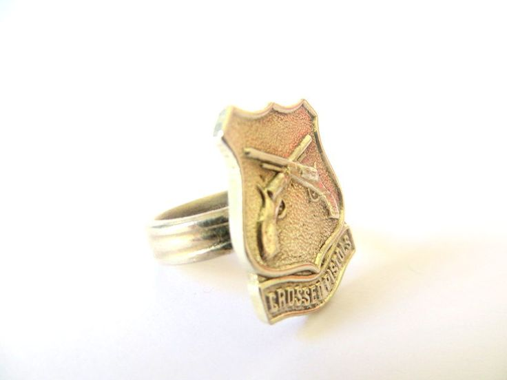 Upcycled Antique Ring. Crossed pistols by Picossa on Etsy