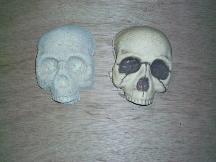 1077 best Halloween images on Pinterest Halloween prop, Halloween - skull halloween decorations