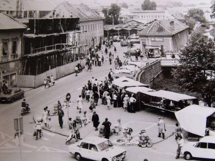 Eger, Zalár József utca, háttérben a Tábornok-ház - ma Gárdonyi Géza tér