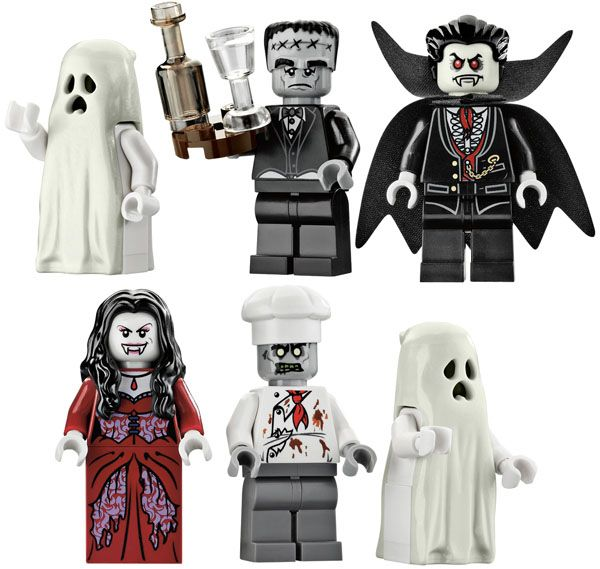 LEGO Haunted House Set      oooh! I so wanted this LEGO haunted house!