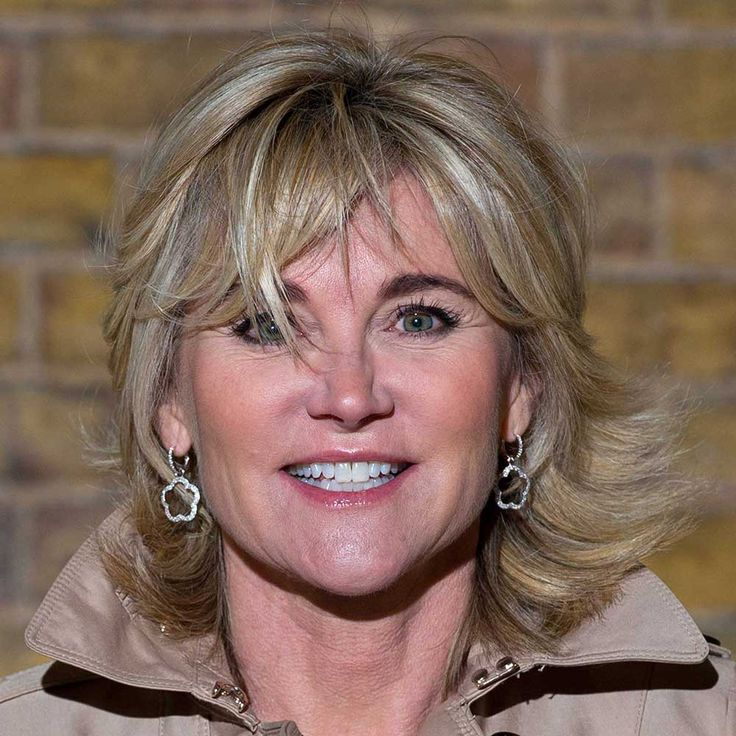Anthea Turner with hairstyle for thin hair