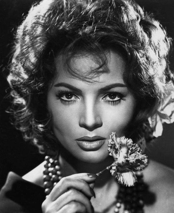 Carmen Cinéma, Film noir et Ciné