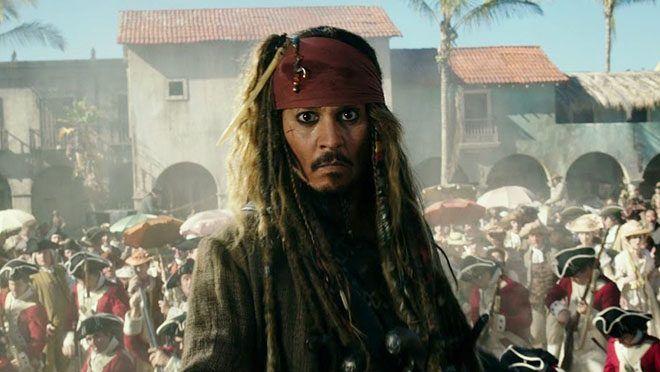 BaşrolündeJohnny Depp'in yer aldığı Pirates of the Caribbean serisi son hız devam ediyor.Türkçe ismi Karayip Korsanları: Salazar'ın İntikamı olan beşinci filmden yeni bir tanıtım paylaşıldı. Aradan geçen uzun zamana rağmen izleyicilerin sevdiği karakterler arasında yer alan Kaptan Jack...  #5'In, #Genç, #Görüyoruz', #Jack, #Karayip, #Korsanları, #Sparrow'U, #Tanıtımında, #Video, #Yeni https://havari.co/karayip-korsanlari-5in-ye