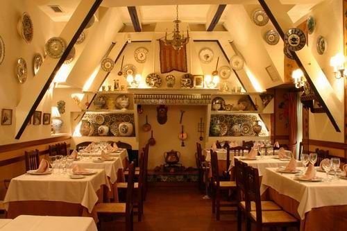 La Barraca. Calle Reina 29. It is one of the most famous paella restaurants in Madrid. It was founded in 1935 and is possibly the best of its kind for traditional Valencian rice dishes, as well as Mediterranean cuisine from other Spanish regions.