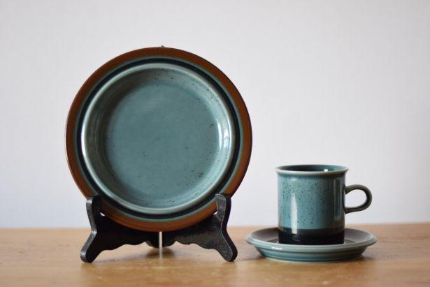 Arabia Finland MERI Coffee Trio Cup, Saucer & Teaplate Ulla Procopé 1970s by little danish mood on Gourmly