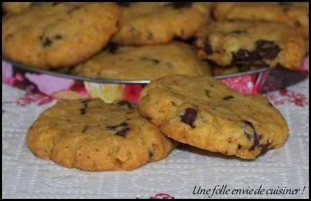 Envie de changer des crèmes et brioches pour utiliser les jaunes d'oeufs? Voilà de délicieux biscuits à faire pour le goûter ou même pour le petit déjeuner. Ils sont agréables en bouche et leur texture rappelle celle du cookie croustillant. Ils se conservent...