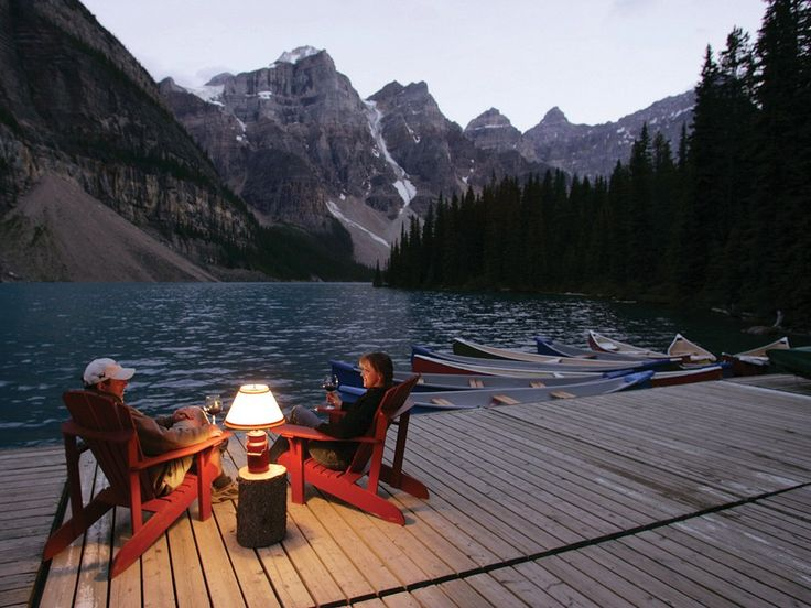Find Moraine Lake Lodge Banff, Canada information, photos, prices, expert advice, traveler reviews, and more from Conde Nast Traveler.