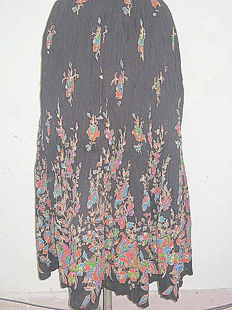 ART  Black Beauty  Skirts     For our other Products  Please visit  www.premiumtowelexportindia.com