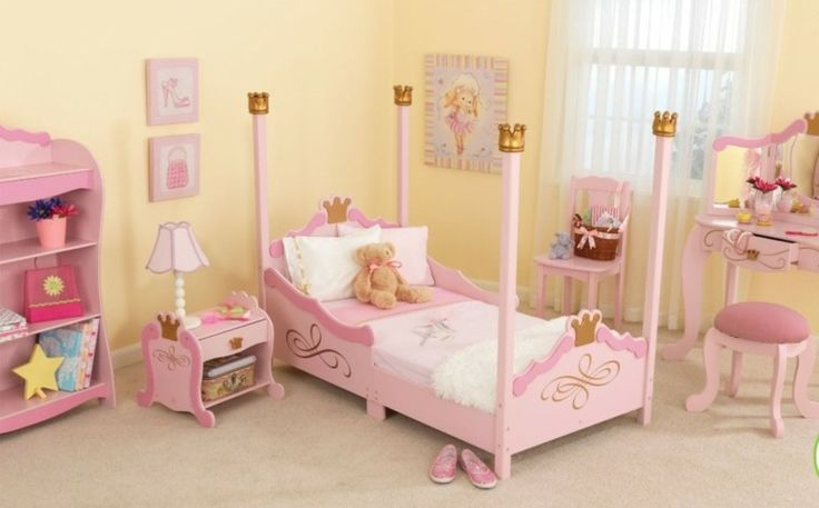 niñas muebles madera color rosa habitacion ideas