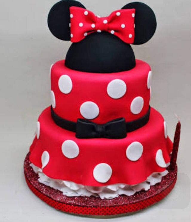 Pastel Minnie Mouse Más (mini moose cake)