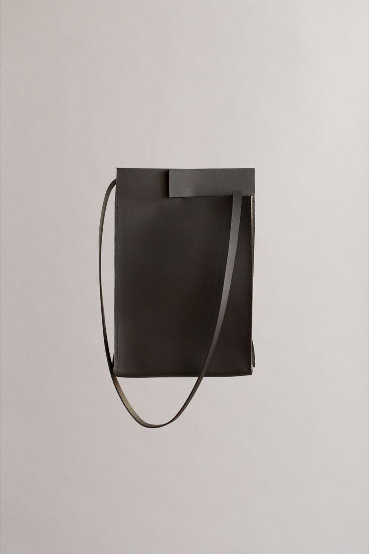 BLACK RIFT TAB BAG | CHIYOME - Minimalist Handbags