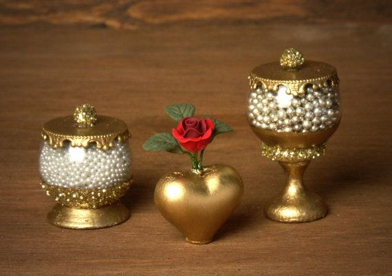 Golden Miniature Heart Vase for your Dollhouse by DinkyWorld
