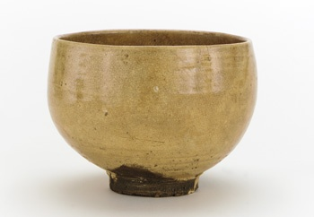 Hagi ware tea bowl 18th-19th century Edo period Stoneware with ash glaze H: 9.0 W: 12.5 cm Japan