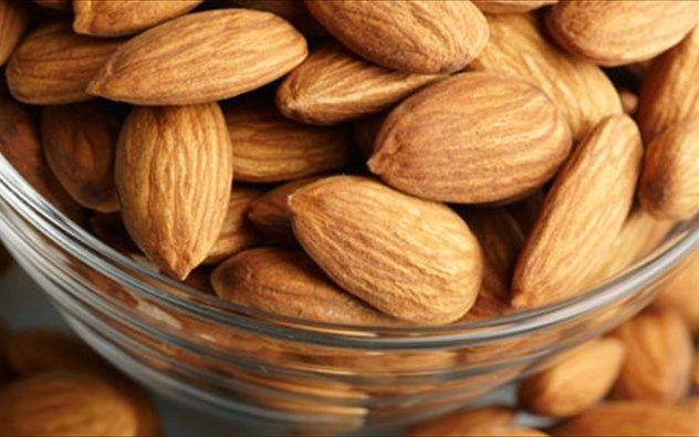 ΔΕΙΤΕ ποιος ξηρός καρπός μειώνει καρδιακά και χοληστερίνη!