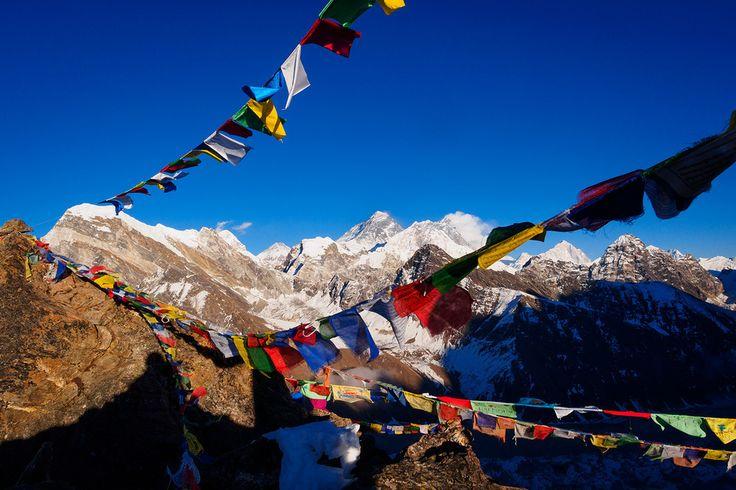 Het 'dak van de wereld' en een populair pelgrimsoord voor zowel hindoestaanse als boeddhistische gelovigen. Nepal strekt uit van een subtropisch regenwoud tot de eeuwig witte toppen van het Himalayagebergte.