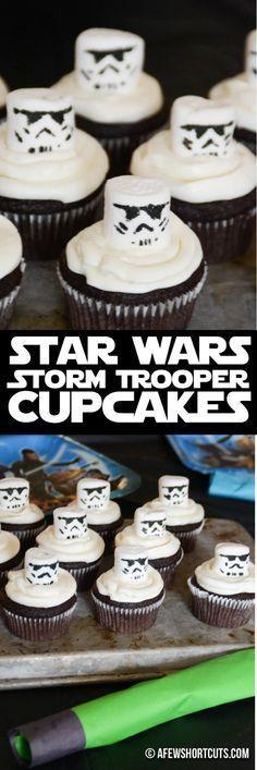 Leckere Cupcakes Du backen musst! Und diese sehen einfach perfekt aus für den Star Wars Kindergeburtstag. Vielen Dank für diese schöne Idee Dein blog.balloonas.com #kindergeburtstag #balloonas #motto #mottoparty #starwars #yedi #stormtrooper #cupcake #gebäck #essen #food