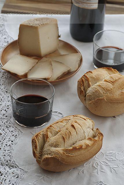 Bollo sevillano_1 by cocido de sopa, via Flickr