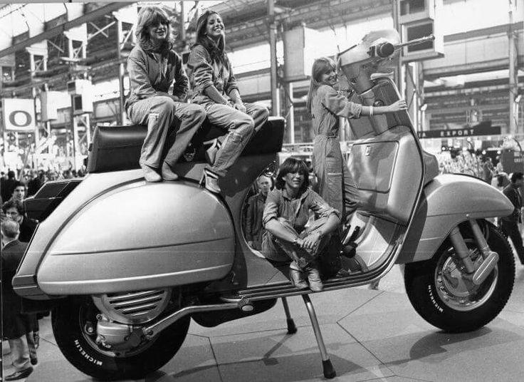 Presentazione Vespa PX 1977
