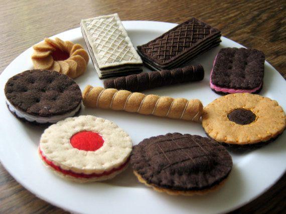 Felt food set  felt 10 cookies biscuit cake playset by DusiCrafts