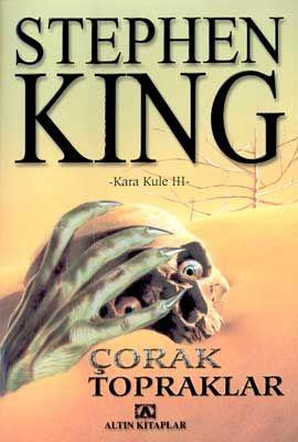 Büyüleyici ve unutulmaz karakterlerin sergilendiği sanal bir dünyayı içeren Kara Kule serisinin bu kitabı bugüne dek okuduklarınızın en sürükleyicisi... Stephen King'in eşsiz hayal dünyasını dile getiren, fantaziyle korkunun iç içe geçtiği bir başyapıt. Ve her yeni kitapta Kara Kule'ye bir adım daha yaklaşacaksınız...