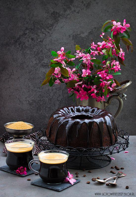 Babka czekoladowo kawowa z polewą - Gotuję, bo lubię