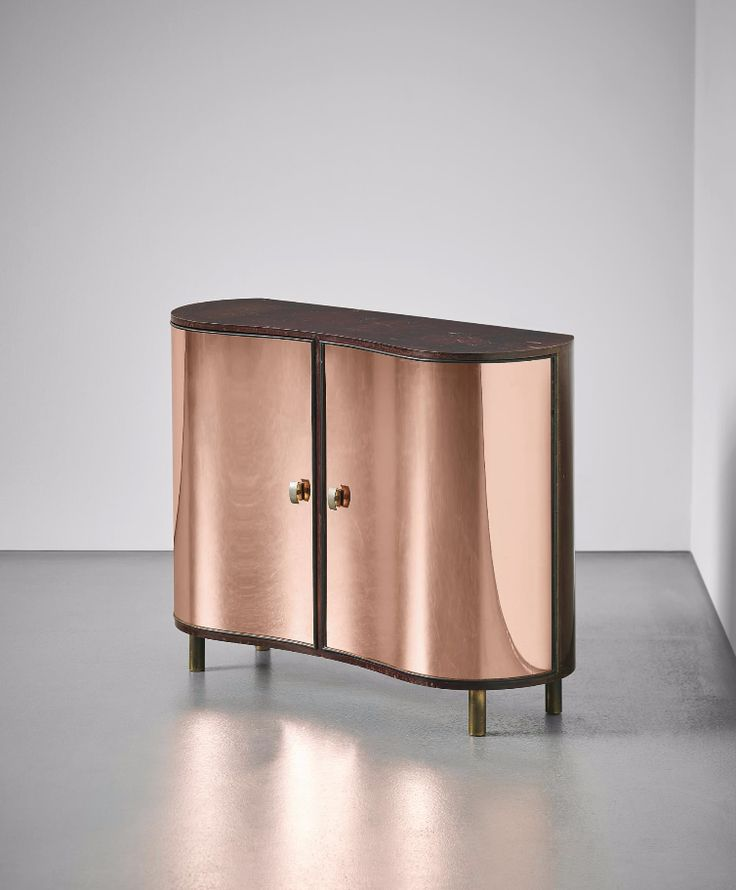 Pietro Chiesa; Pear Wood and Mirrored Glass Cabinet for Fontana Arte, c1938.