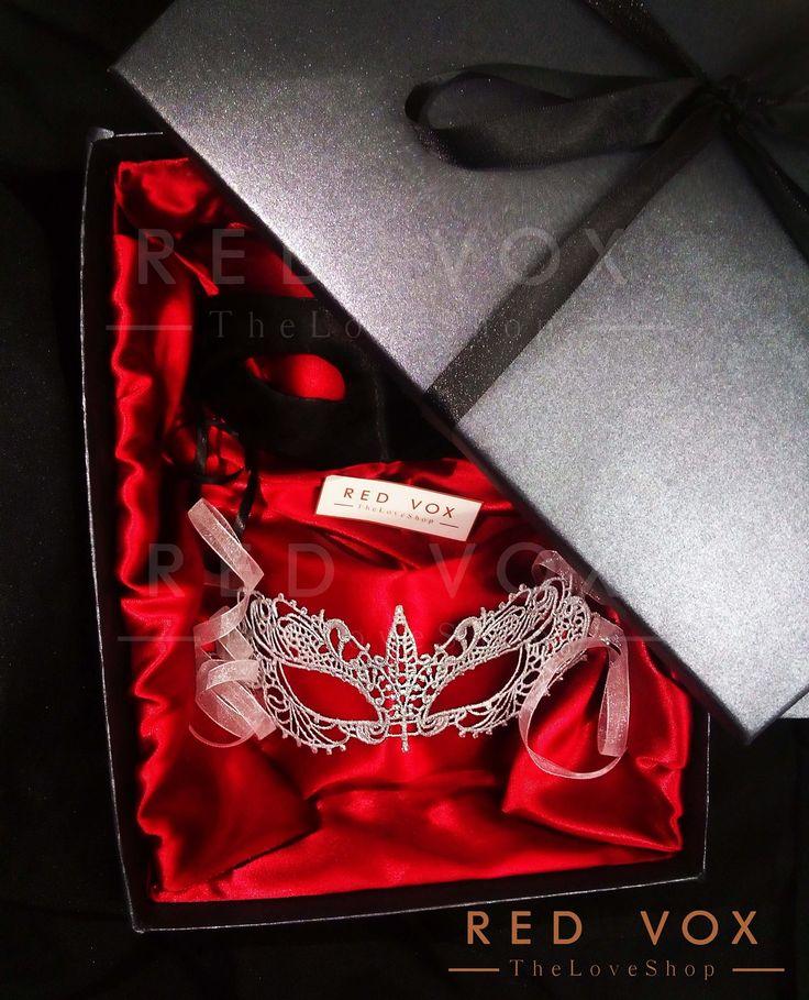 Mascara Christian Grey, Antifaz Anastasia Steele 50 sombras mas oscuras. Caja Edición Especial Darker Vox de Venta en México.