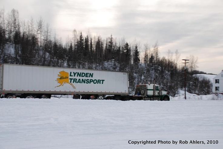 http://www.hankstruckpictures.com/pix/trucks/robert_ahlers/2011/02-11/lti/lynden_transport_kw_and_quad_axle_reefer_dalton_highway_fox_alaska_2009_2.jpg