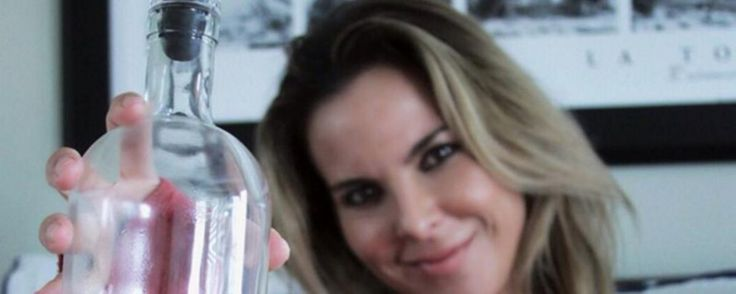 kate del castillo wanted t o make tequila with El Chapo>>