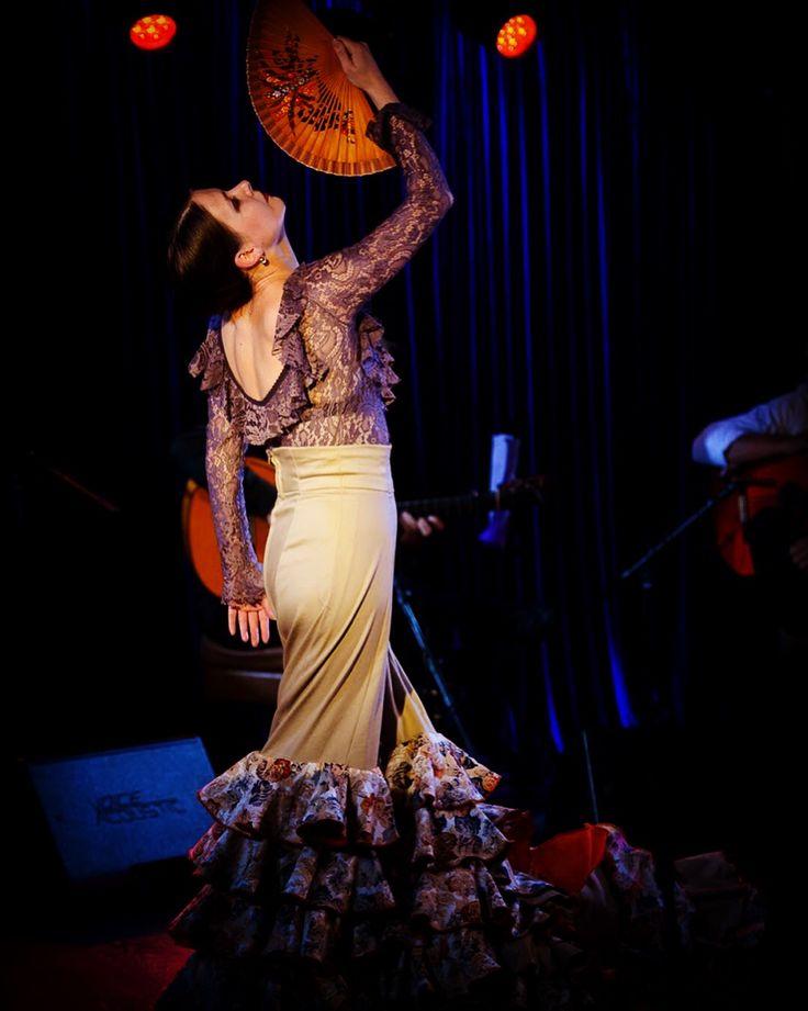 Rojo tablao #flamenco con #Flordelflamenco en #kozlovclub Moscu oct 17