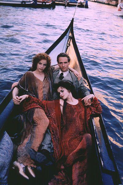 Alison Elliott, Linus Roach, and Helena Bonham Carter in Wings of the Dove
