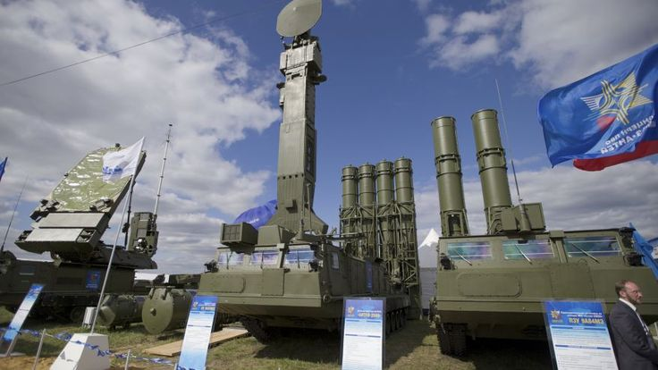 Russian air defense missile system Antey 2500, or S-300 VM, at the opening of the MAKS Air Show in Zhukovsky outside Moscow. The Kremlin says Russia has lifted its ban on the delivery of a sophisticated air defense missile system to Iran.