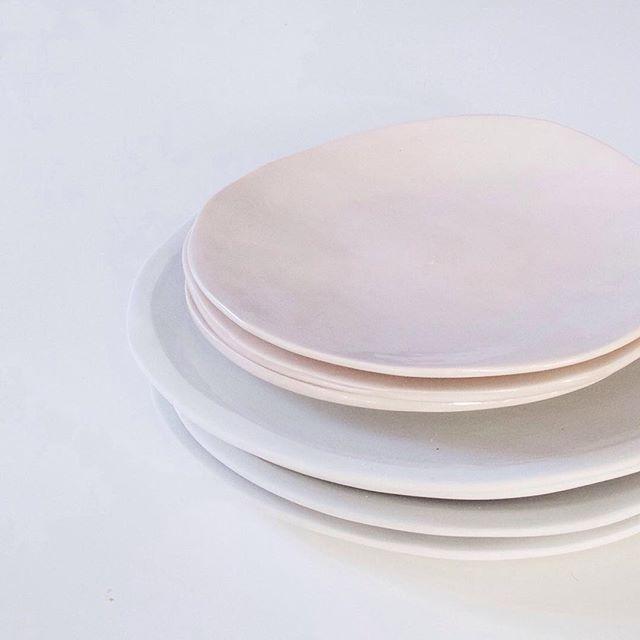 Klomp Ceramics Everyday Range in grey and Klomp Ceramics Pink Collection dinner sets