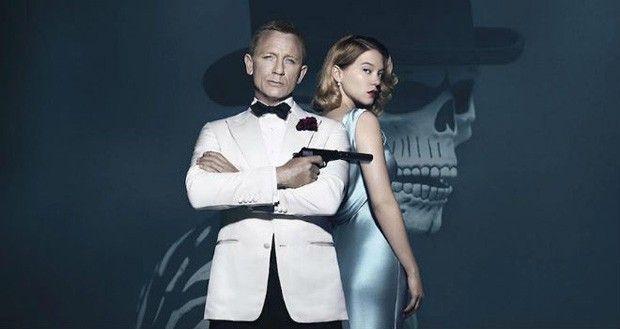 James Bond com seu smoking branco e a Bond girl Léa Seydoux (Foto: Divulgação)