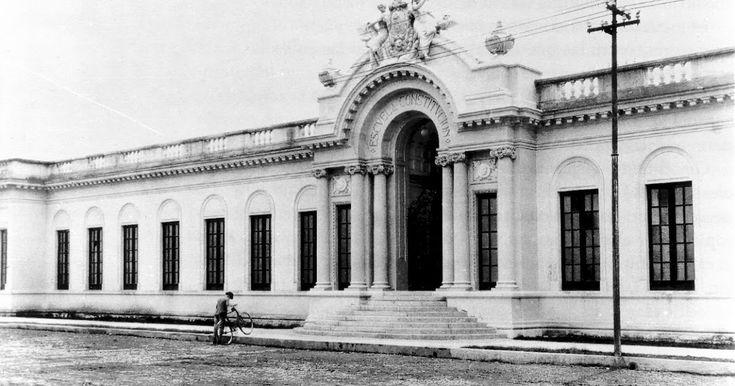 El antiguo edificio de la Escuela de Música de la Universidad de Guadalajara que pese a tener «protección » del Instituto Nacional de Bellas...