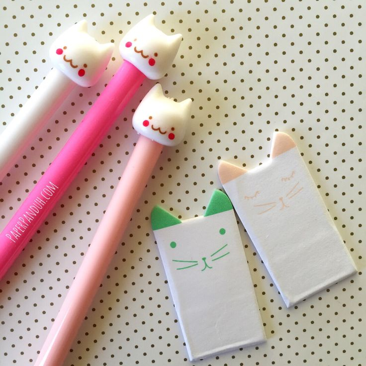 *Includes 2 mini kitty sticky notes and 1 kitty fine tip pen (random color chosen)Meoooow!