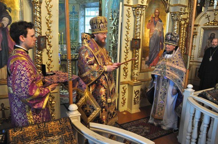 Старейший по хиротонии клирик Киевской епархии отметил 90-летний юбилей