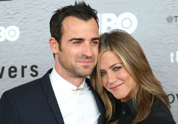Jennifer Aniston And Justin Theroux Come Face-To-Face For The Holidays After Divorce Bombshell #BradPitt, #JenniferAniston, #JustinTheroux celebrityinsider.org #Hollywood #celebrityinsider #celebrities #celebrity #celebritynews #rumors #gossip