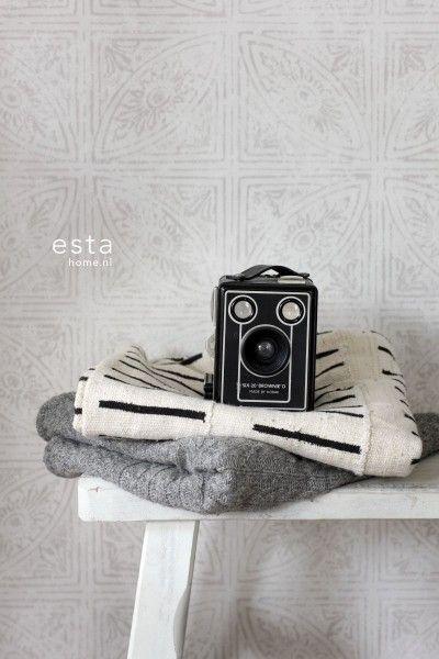 krijtverf eco texture vliesbehang tegelmotief beige - Marrakech - collecties | ESTAhome.nl
