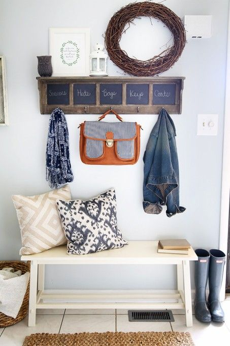Best 25+ Small entryway decor ideas on Pinterest   Small front ...