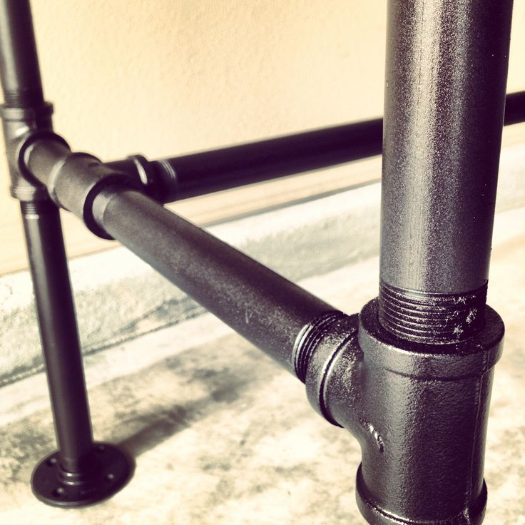 "DIY galvanized steel pipe desk frame detail. 1"" pipe with 2 coats of metal primer / 2 coats of rustoleum oil rubbed bronze spray paint / 2 coats of rustoleum matte finish spray."