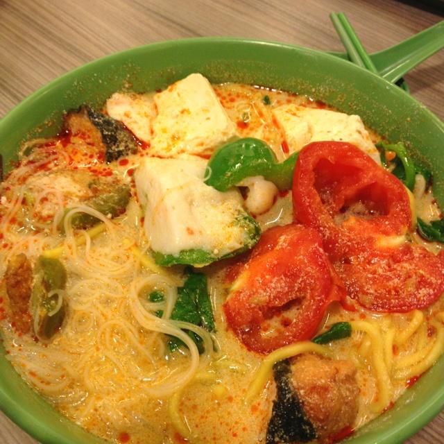 Noodle in laksa soup