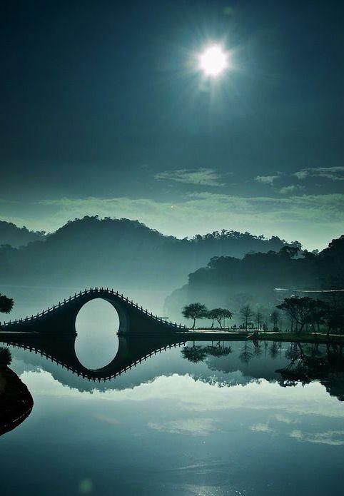 #Pont de lune à Hunan en #Chine #Voyage #Paysage