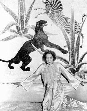 Marlene Dietrich at home, 1932. Love the animal wallpaper! ~ETS artdeco marlenedietrich